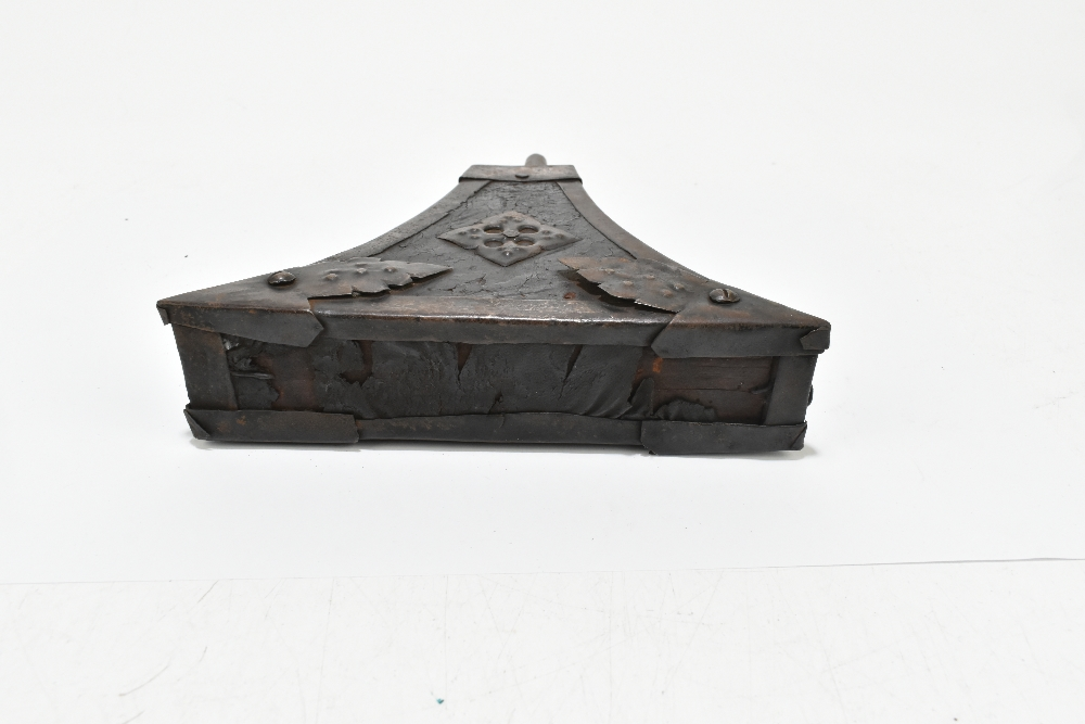 An unusual 19th century steel and leather bound powder flask with applied detail to the front, 23. - Image 5 of 6