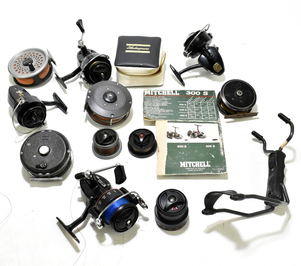 A collection of fly and spinning reels to include Rimfly II, C Farlow & Co Holdfast example, etc (