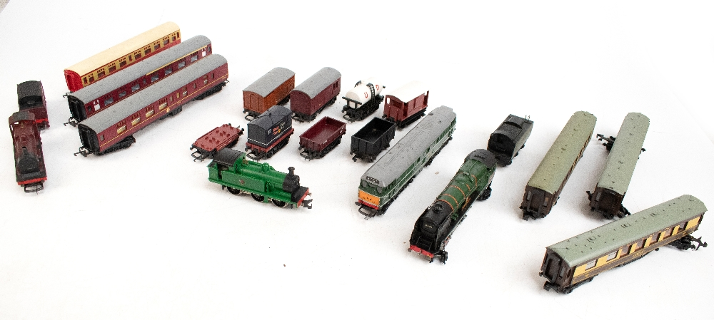 TRI-ANG HORNBY; a two boxed sets comprising RS8 'The Midlander' and RS51 'The Freight Master',