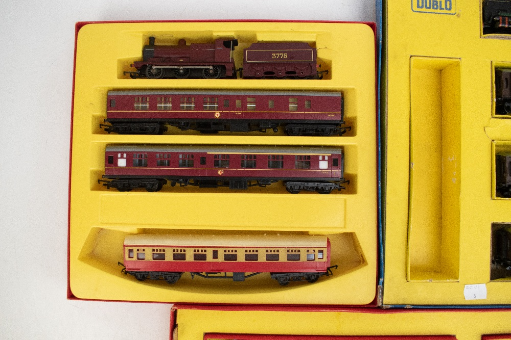 TRI-ANG HORNBY; a two boxed sets comprising RS8 'The Midlander' and RS51 'The Freight Master', - Image 11 of 12