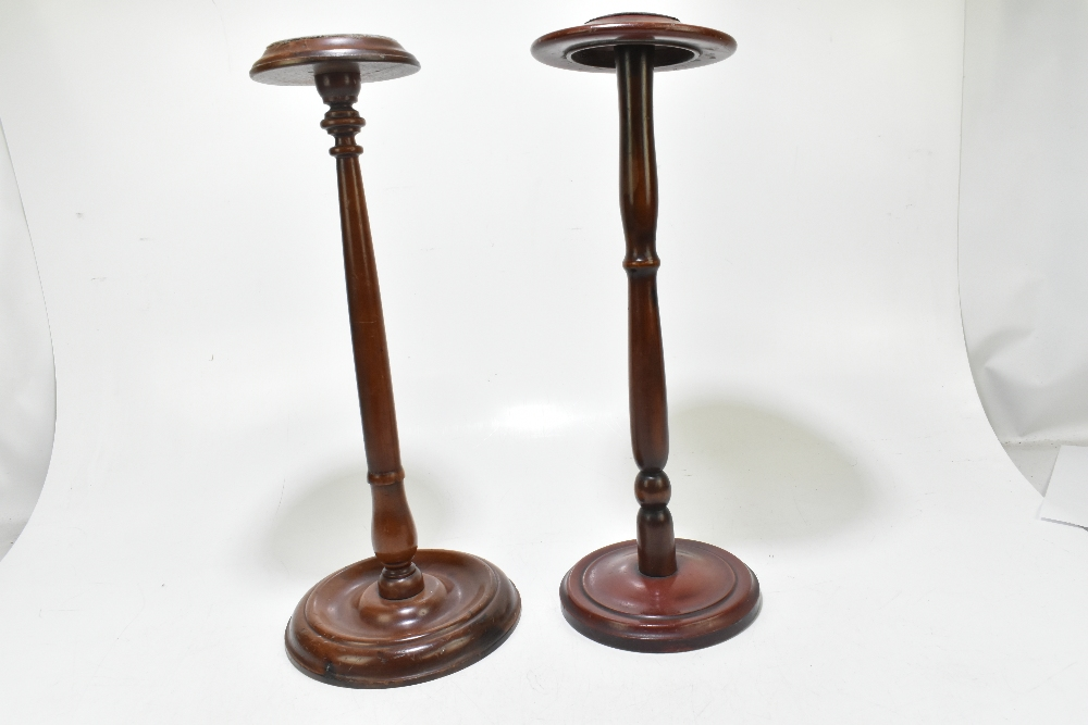 A late 19th century mahogany wig stand, raised on a circular column terminating on a circular plinth - Image 3 of 3