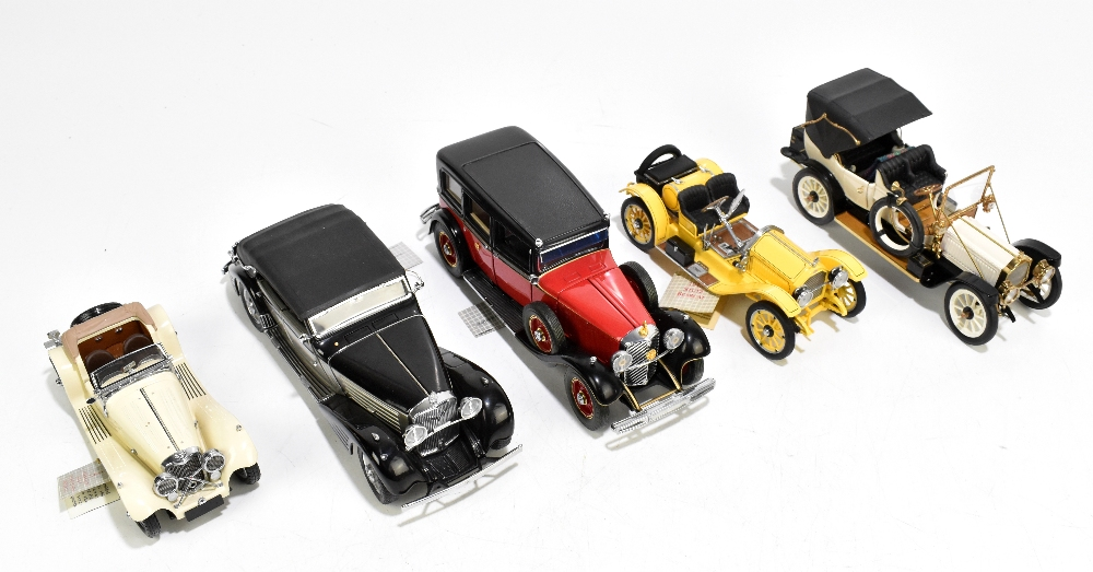FRANKLIN MINT; five boxed model classic vehicles comprising 1912 Packard Victoria, 1915 Stutz