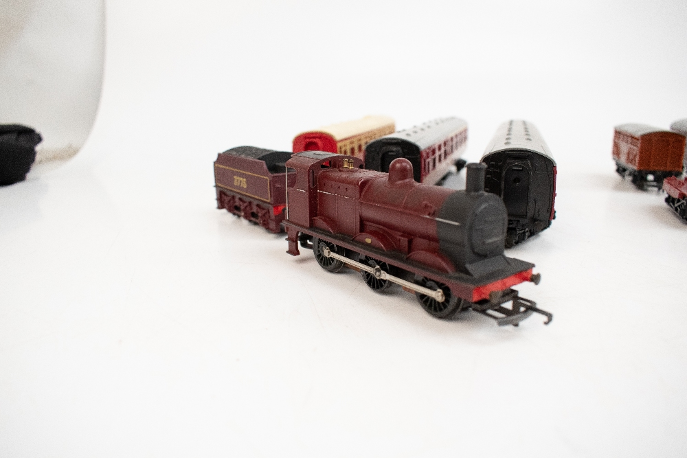 TRI-ANG HORNBY; a two boxed sets comprising RS8 'The Midlander' and RS51 'The Freight Master', - Image 3 of 12