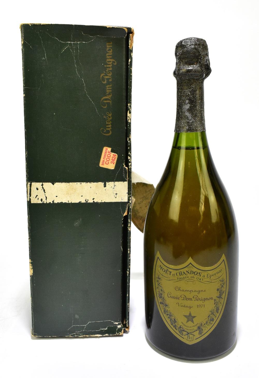CHAMPAGNE; a single bottle of Möet et Chandon Cuvée Dom Pérignon Vintage 1971 Champagne, 75cl, in