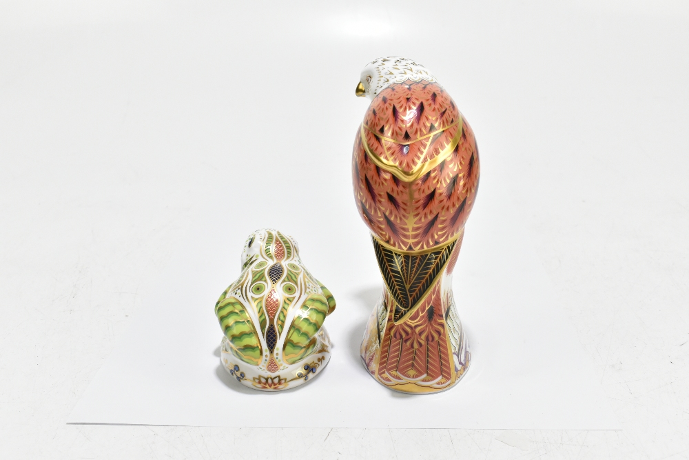 ROYAL CROWN DERBY; two animal form paperweights, comprising 'Red Kite', height 19cm, and 'Toad', - Image 4 of 8