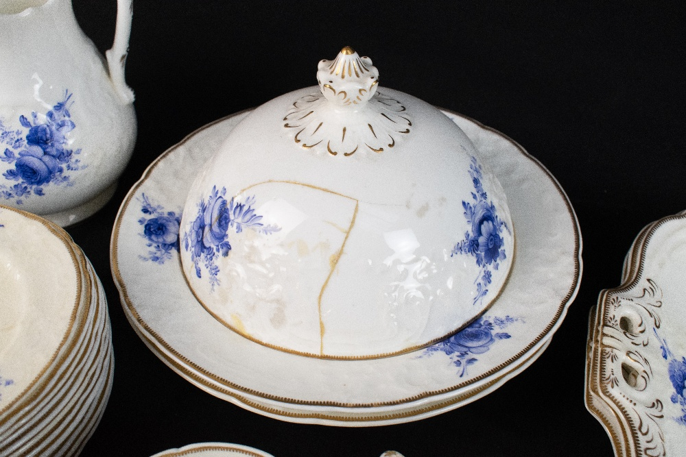 COALPORT; a forty seven piece part tea and dinner service, pattern no.3128, with moulded over - Image 5 of 5