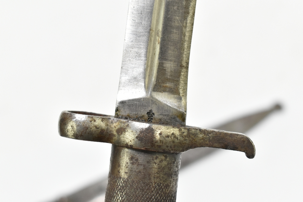 A late 19th/early 20th century M1896 bayonet by Carl Gustav produced to fit an M1899 rifle, blade - Image 4 of 6