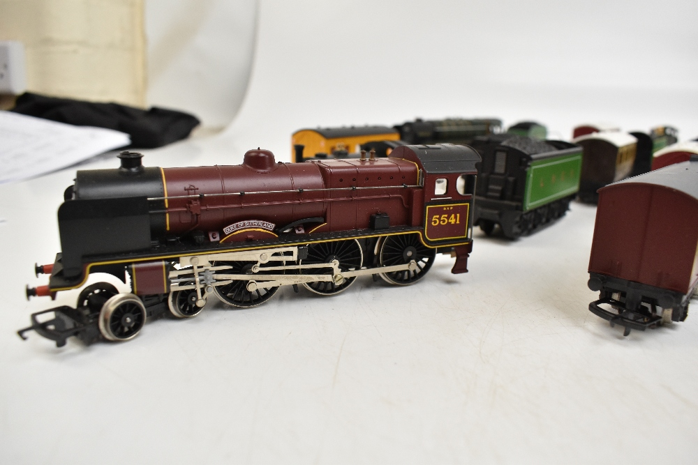HORNBY; a group of loose model railway comprising sixteen various sized locomotives including - Image 8 of 10