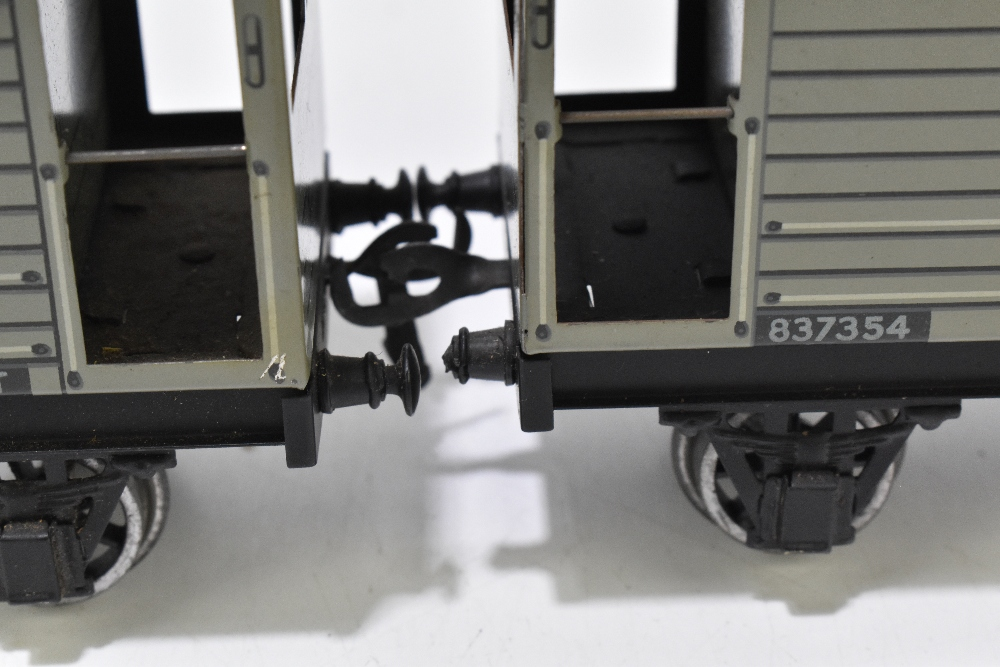 BASSETT-LOWKE; two brake vans, a closed van and a possibly Bassett-Lowke flatbed truck (4). - Image 3 of 6