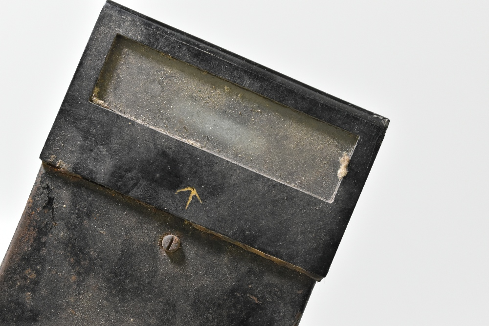 A WWI era 'box' trench periscope with two arrow marks, length 57cm. Provenance: The Captain Allan - Image 4 of 5