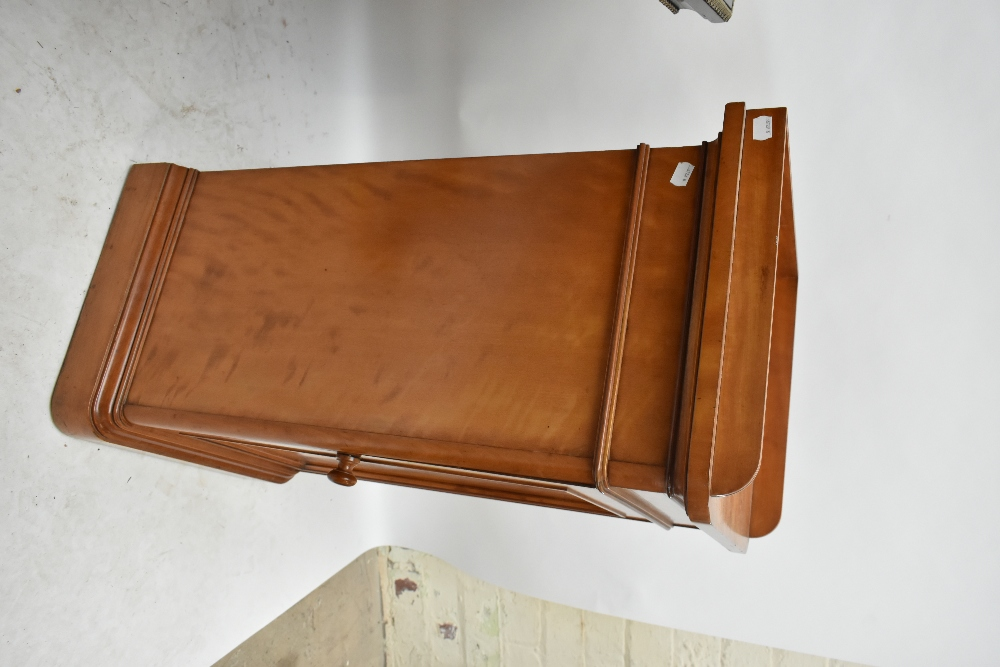 GILLOWS; a Victorian satin walnut and inlaid bedside cabinet with three-quarter raised gallery above - Image 3 of 6