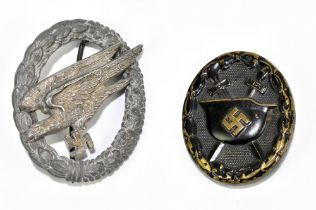A German Third Reich (possibly) Luftwaffe Paratrooper's badge, 5.1 x 4.2cm, and a Third Class