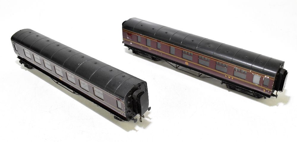 EXLEY FORBASSETT-LOWKE; two LMS coaches comprising a K5 Corridor 1st No.8778 and K6 Brake 3rd No.