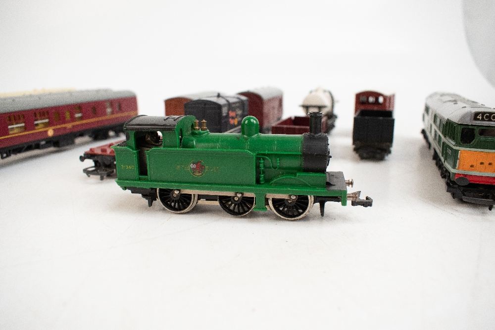 TRI-ANG HORNBY; a two boxed sets comprising RS8 'The Midlander' and RS51 'The Freight Master', - Image 4 of 12