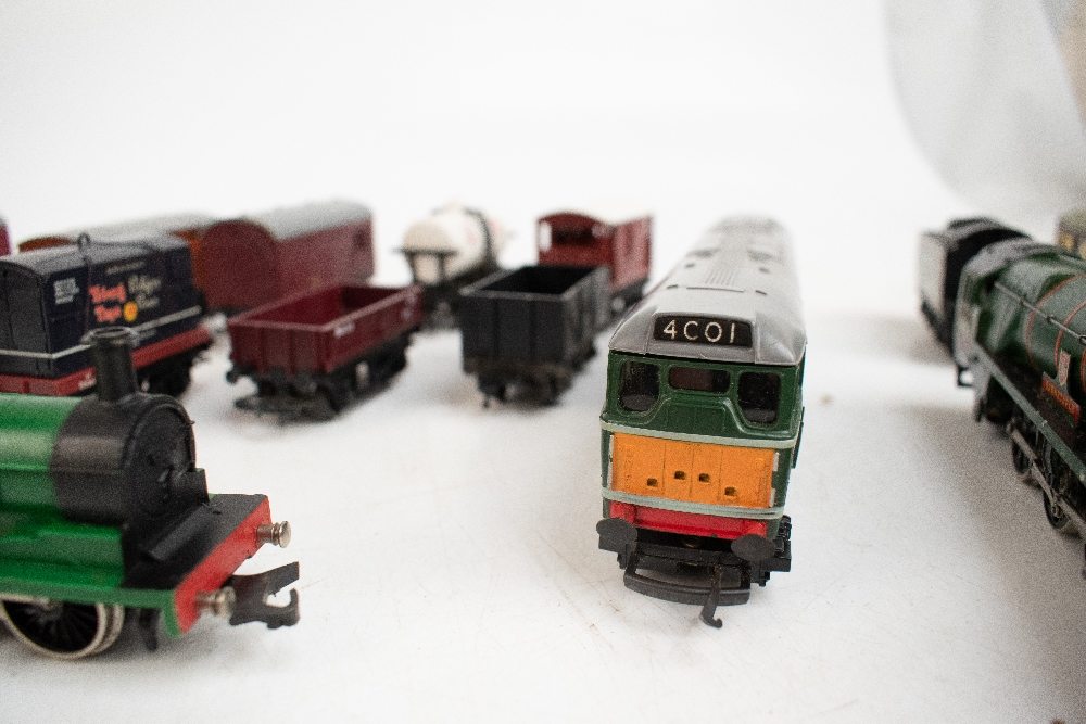 TRI-ANG HORNBY; a two boxed sets comprising RS8 'The Midlander' and RS51 'The Freight Master', - Image 5 of 12