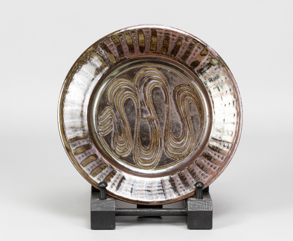 MICHAEL OBRIEN (born 1930) for Wenford Bridge Pottery; a stoneware plate with meander decoration - Image 3 of 5