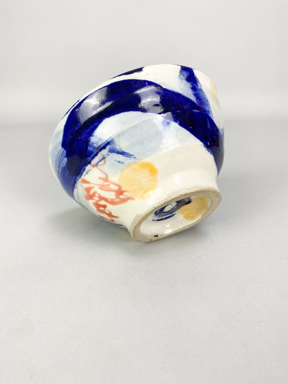 SANDY BROWN (born 1946); a stoneware footed bowl with blue and orange decoration on white ground, - Image 4 of 4