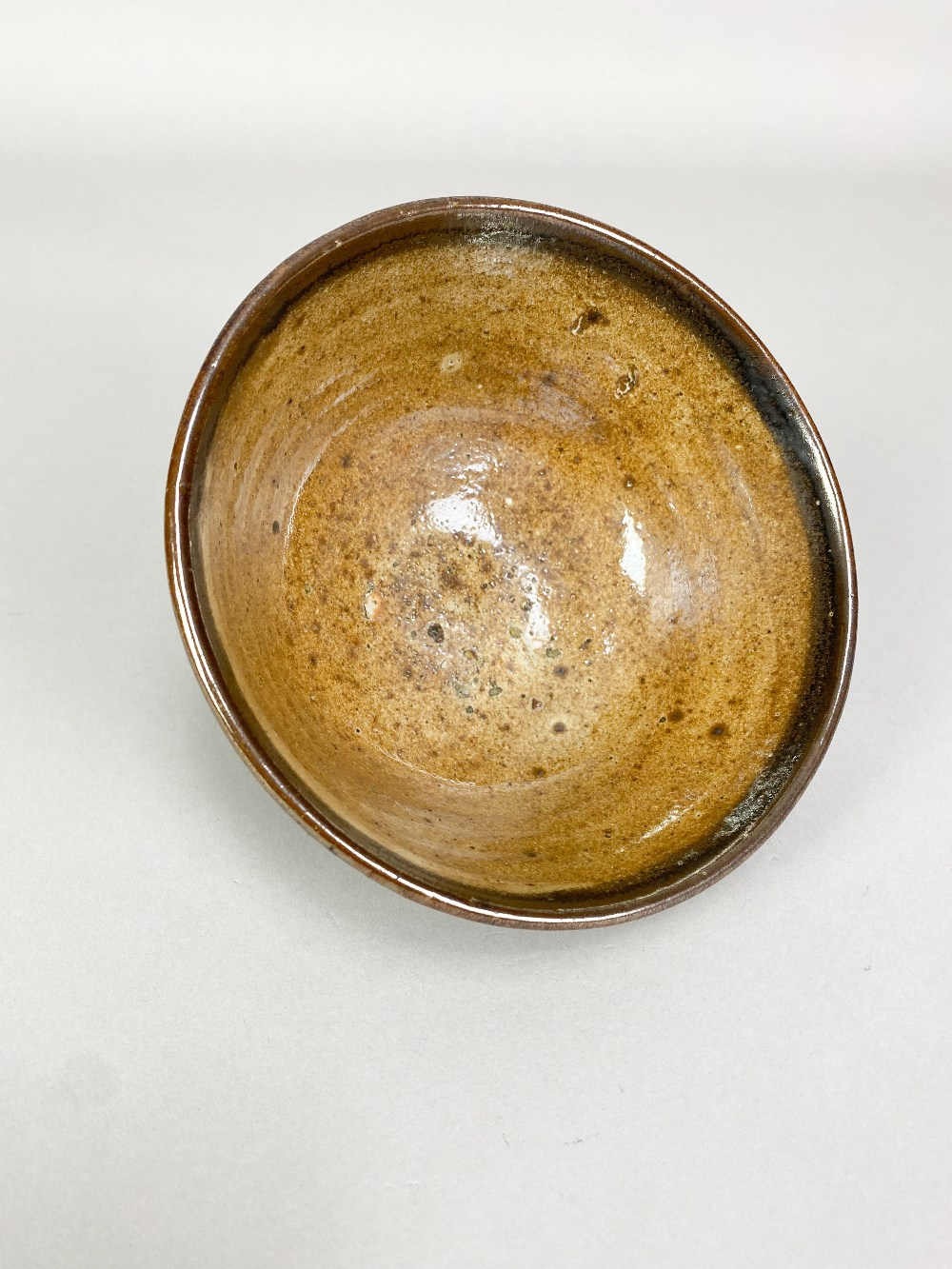 GEOFFREY WHITING (1919-1988) for St Augustine's Pottery; a stoneware chawan with iron decoration - Image 3 of 5