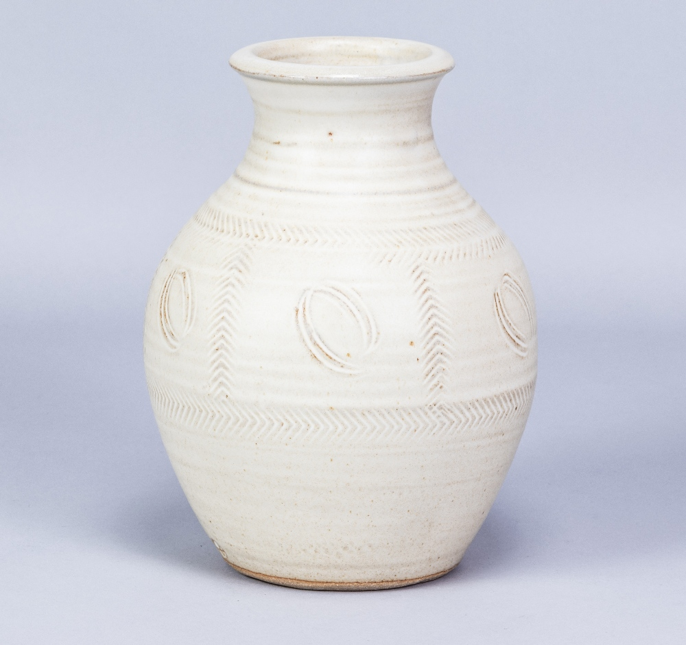 RAY FINCH (1914-2012) for Winchcombe Pottery; a stoneware vase covered in light oatmeal glaze with