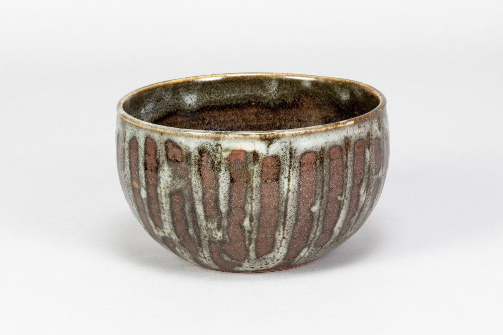 URSULA MOMMENS (1908-2010); a stoneware bowl withstriped decoration, impressed UD mark (partially - Image 2 of 5