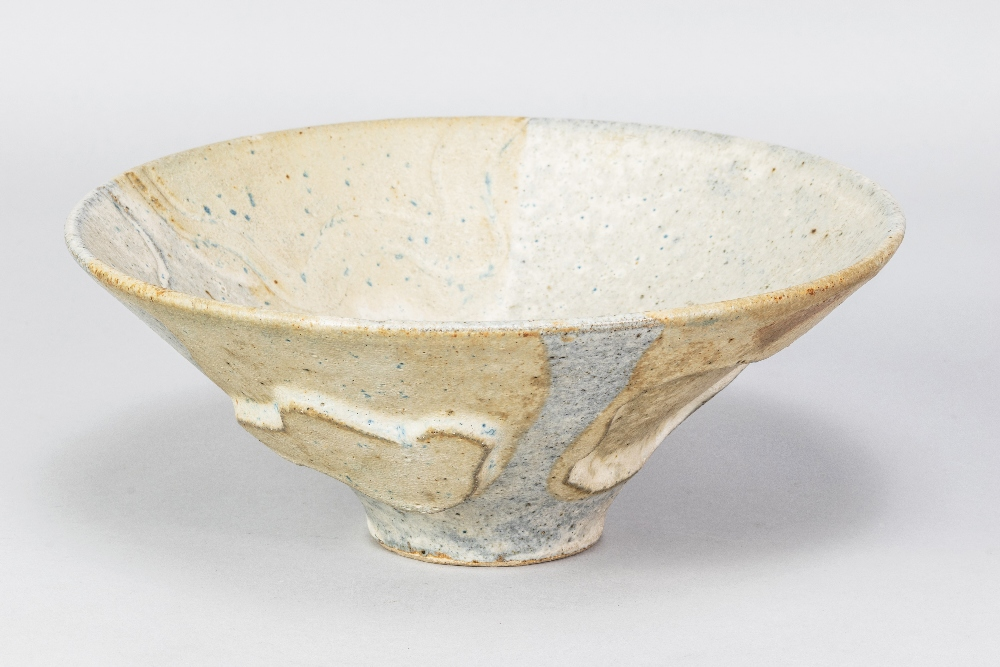 GILLIAN LOWNDES (1936-2010); a conical stoneware bowl covered in mottled blue/grey and oatmeal - Image 2 of 4