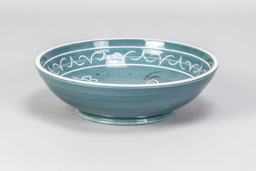 VERA TOLLOW (born 1931); a shallow stoneware bowl covered in blue/grey glaze with incised decoration - Image 2 of 5