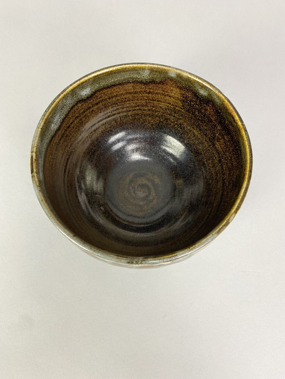 URSULA MOMMENS (1908-2010); a stoneware bowl withstriped decoration, impressed UD mark (partially - Image 3 of 5