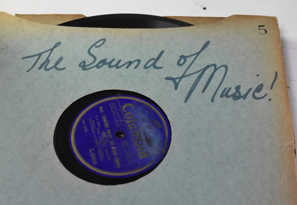 A large collection of over 120 shellac 78s, various labels to include Brunswick, Capitol Records, - Image 4 of 6