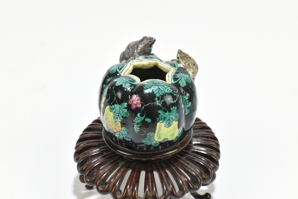 A Chinese Famille Noire ceramic brush pot with moulded decoration of two rats to the body, painted - Image 2 of 13