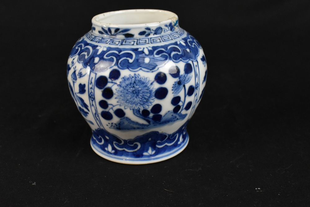 A 19th century Chinese blue and white porcelain vase with swollen body and cyclindrical neck - Image 10 of 12