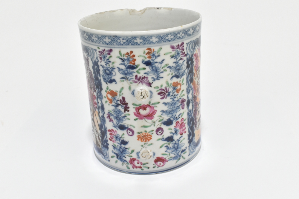 An 18th century Chinese Export blue and white mug decorated with a landscape scene and applied - Image 11 of 13