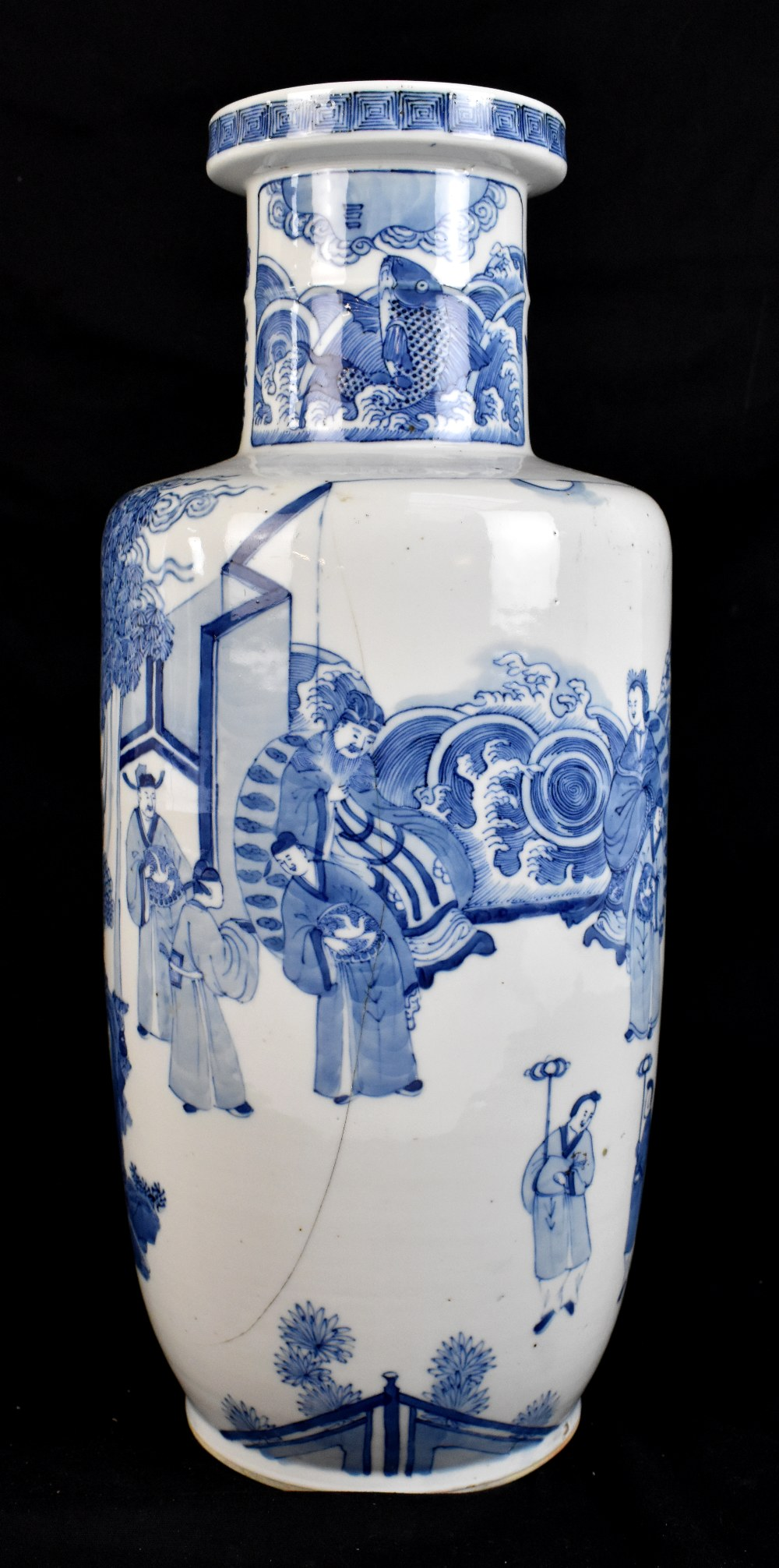 A good and large 19th century Chinese blue and white rouleau vase, painted with a continuous figural