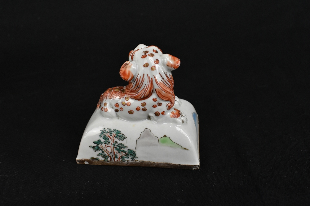 A 19th century Chinese Famille Verte Wucai porcelain koro and cover, the cover moulded with a shishi - Image 12 of 14