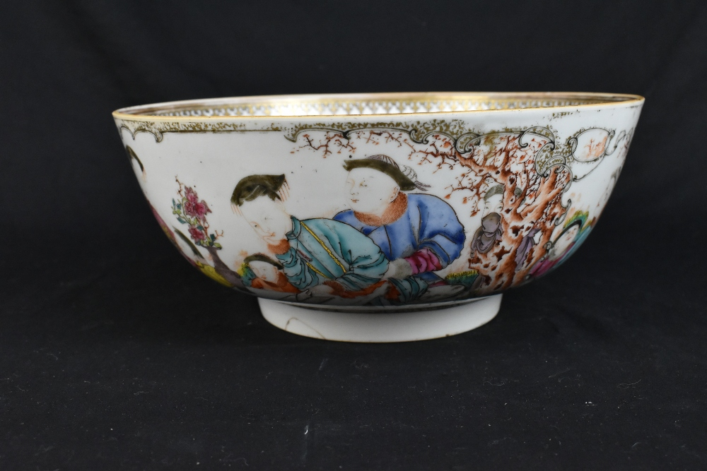 An 18th century Chinese Export Famille Rose footed bowl painted in enamels with figures in landscape - Image 3 of 11