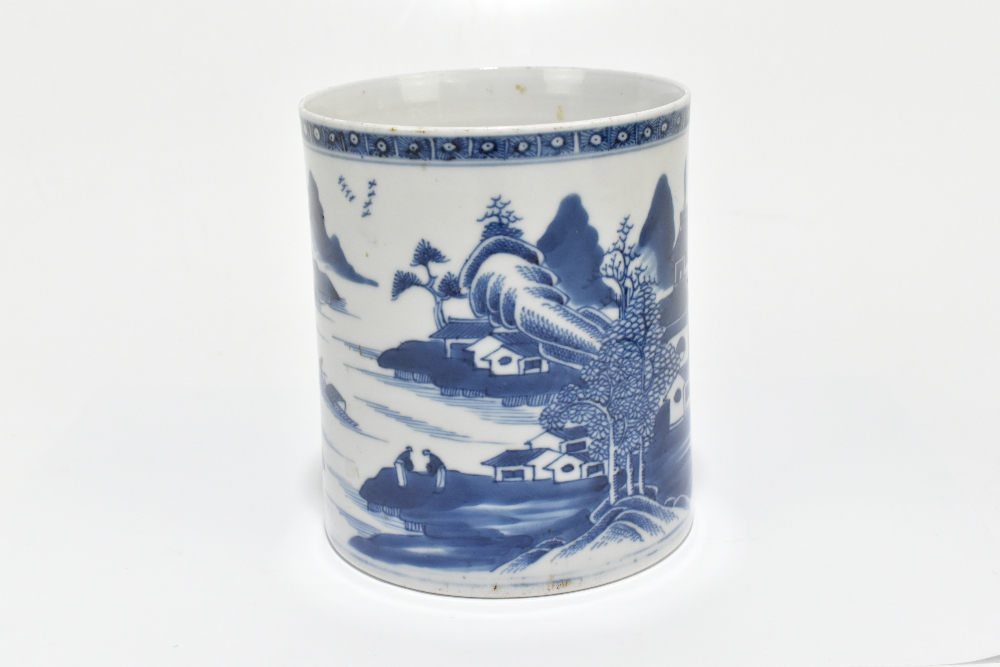 An 18th century Chinese Export blue and white mug decorated with a landscape scene and applied - Image 3 of 13