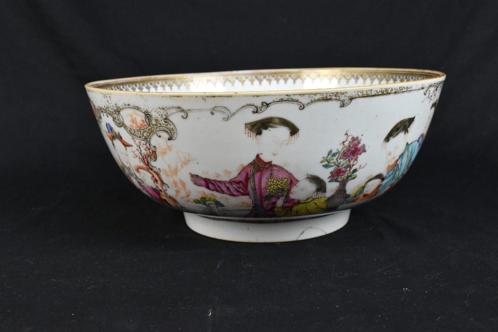 An 18th century Chinese Export Famille Rose footed bowl painted in enamels with figures in landscape - Image 4 of 11