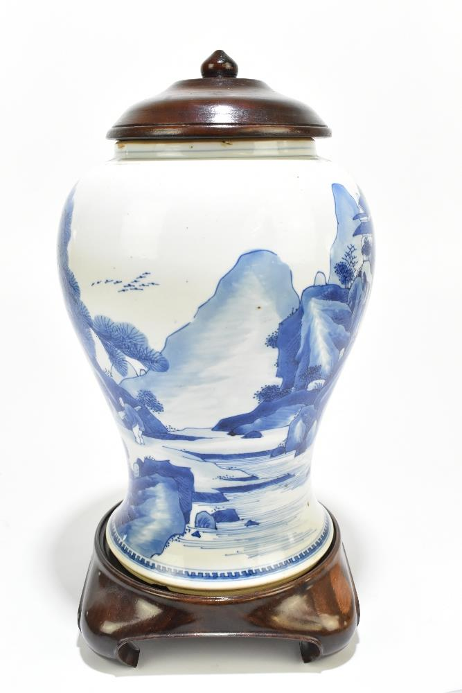 A 18th century Chinese Export blue and white vase with associated cover and stand decorated with - Image 5 of 21
