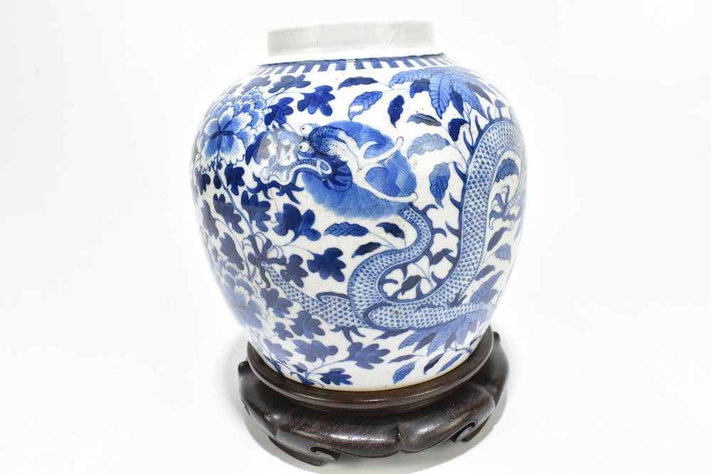 A late 19th century Chinese blue and white porcelain ginger jar decorated with a four claw dragon - Image 7 of 10