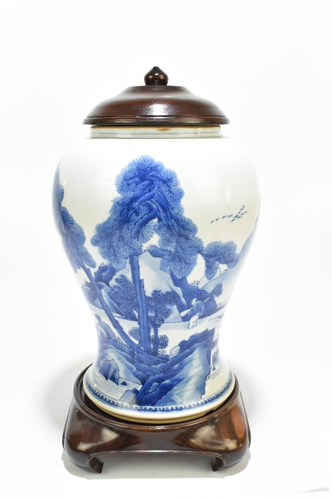 A 18th century Chinese Export blue and white vase with associated cover and stand decorated with - Image 4 of 21