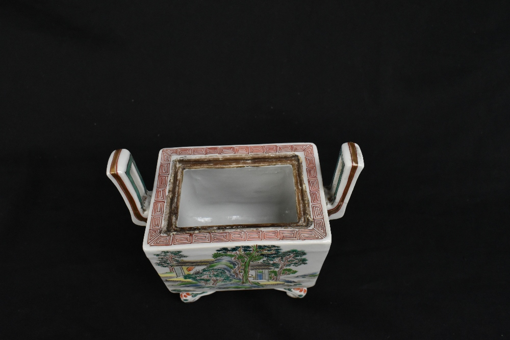 A 19th century Chinese Famille Verte Wucai porcelain koro and cover, the cover moulded with a shishi - Image 8 of 14