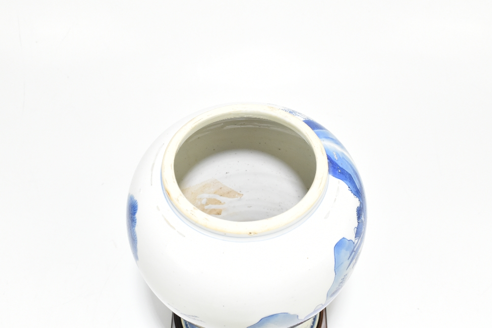 A 18th century Chinese Export blue and white vase with associated cover and stand decorated with - Image 6 of 21
