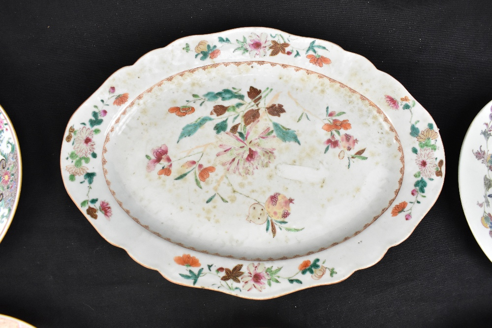 An 18th century Chinese Export Famille Rose oval platter with floral decoration, 27 x 37cm and - Image 7 of 13