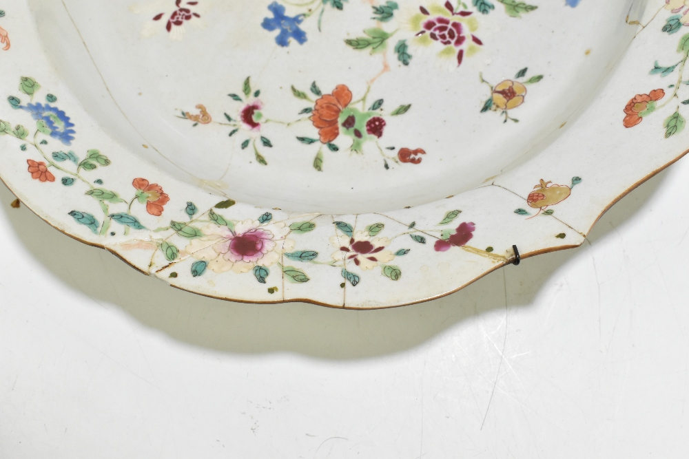 Four pieces of 18th century Chinese Export including a large Famille Rose bowl with scalloped - Image 13 of 15