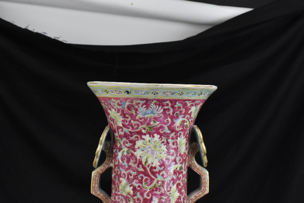 A large 19th century Chinese porcelain twin handled Famille Rose vase with flared neck with - Image 17 of 24