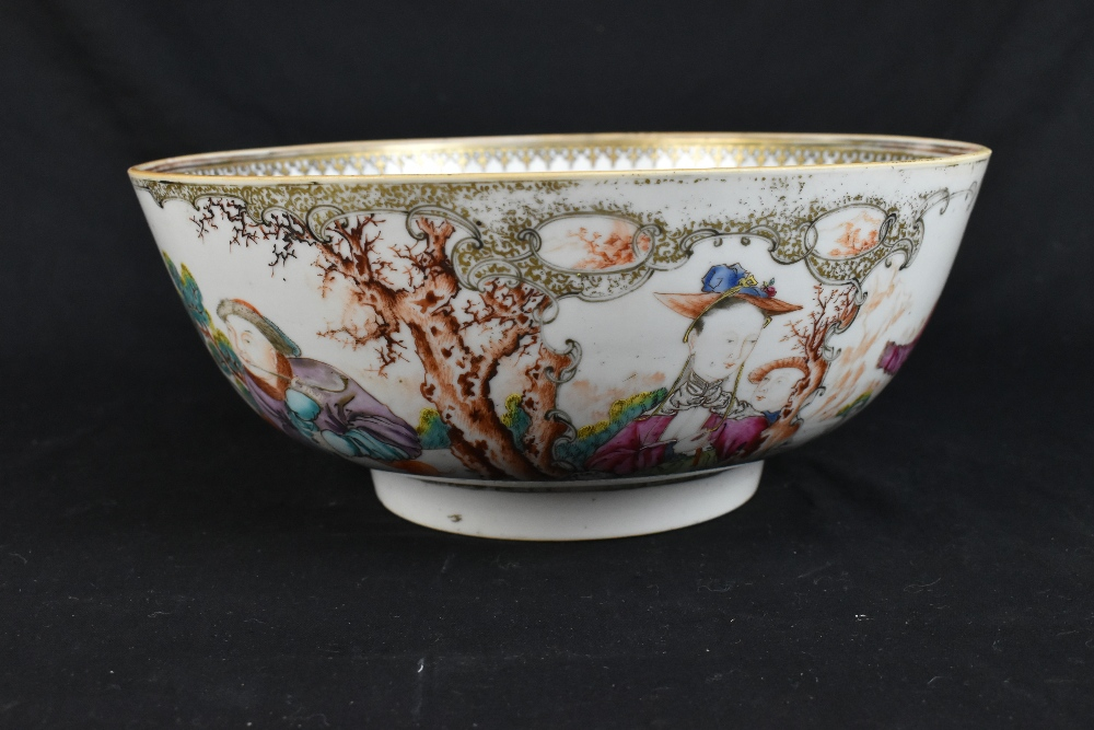 An 18th century Chinese Export Famille Rose footed bowl painted in enamels with figures in landscape - Image 5 of 11