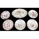 An 18th century Chinese Export Famille Rose oval platter with floral decoration, 27 x 37cm and