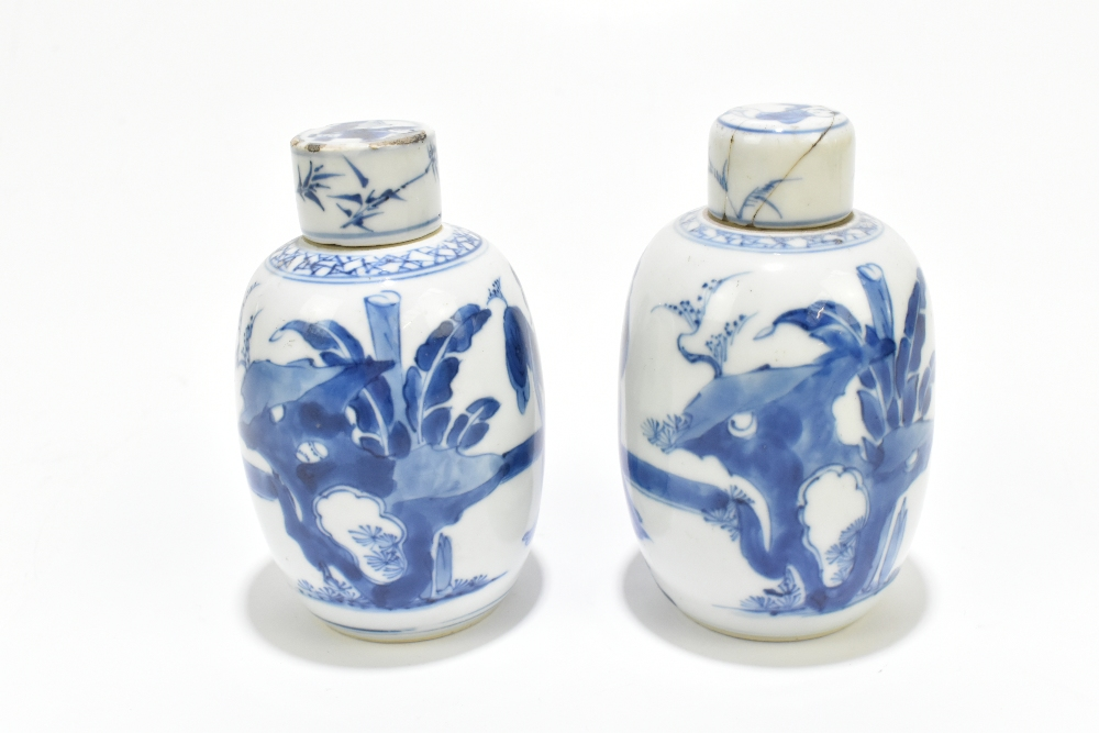 A pair of 18th century Chinese blue and white porcelain tea caddies and covers, painted with maidens - Image 3 of 23