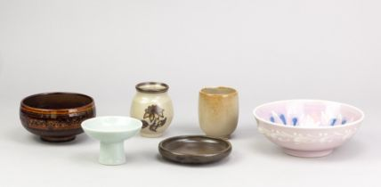 AGNETE HOY (1914-2000) for Bullers Studio; a group of porcelain ceramics comprising two bowls, two