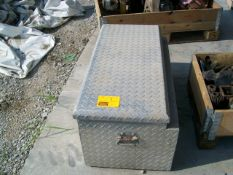 TRACTOR SUPPLY 3 FT TOOL BOX