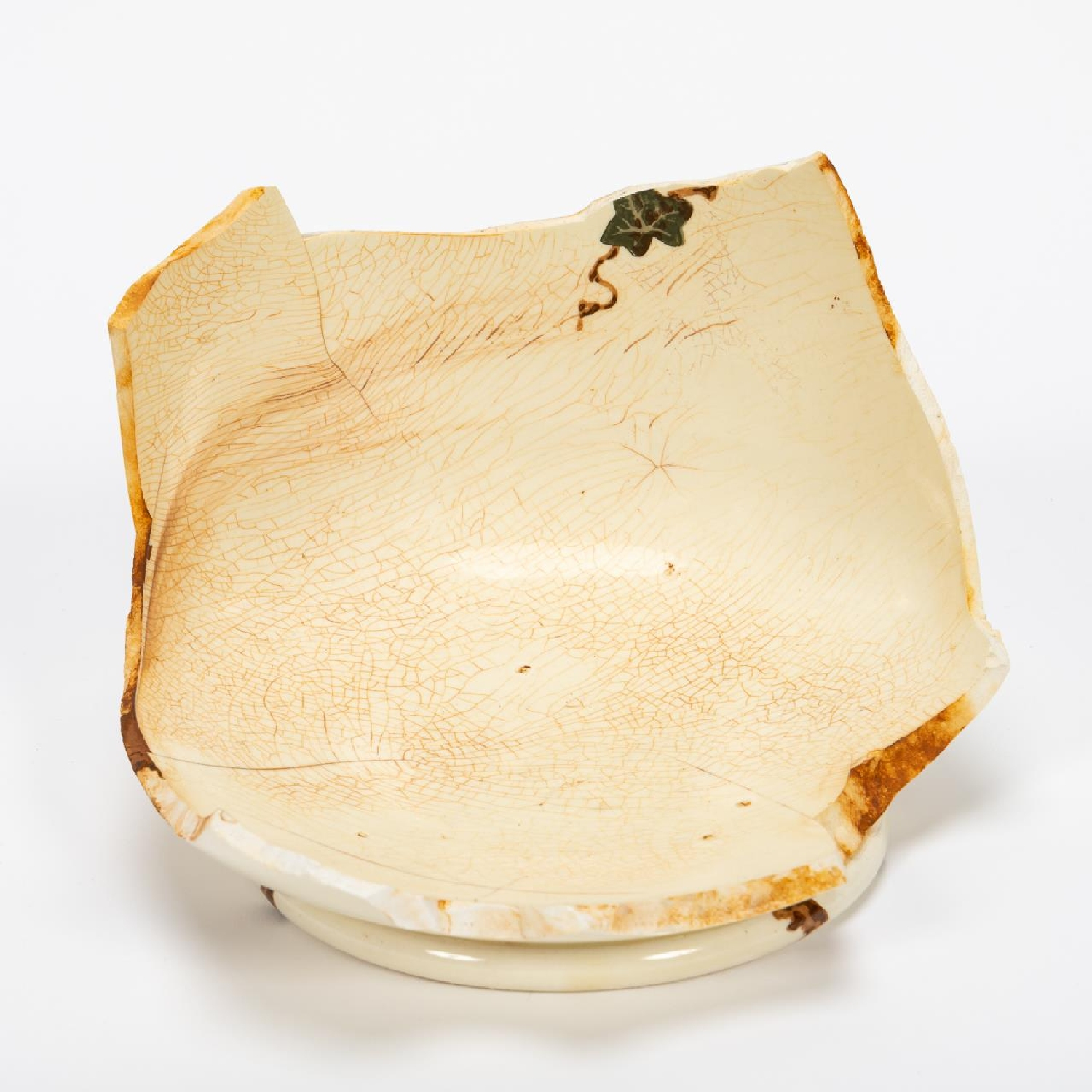 RMS CARPATHIA, SALVAGED PARTIAL IVY CHAMBER POT - Image 3 of 7